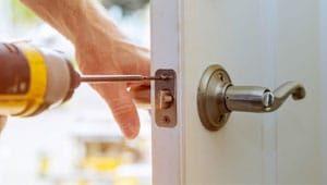 Knobs and Locks Fix service in dubai